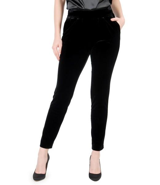 Pantaloni din catifea elastica neagra cu buzunare si falduri