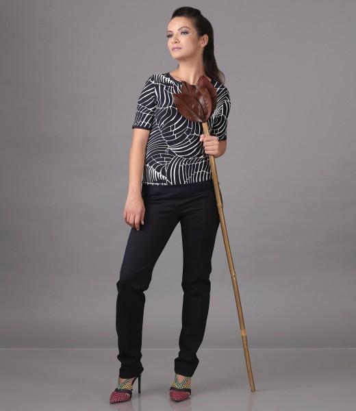Bluza din jerse imprimat in relief si pantaloni pana