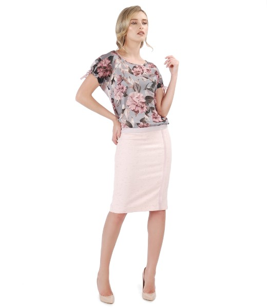 Bluza cu fata din voal imprimat cu motive florale si fusta creion