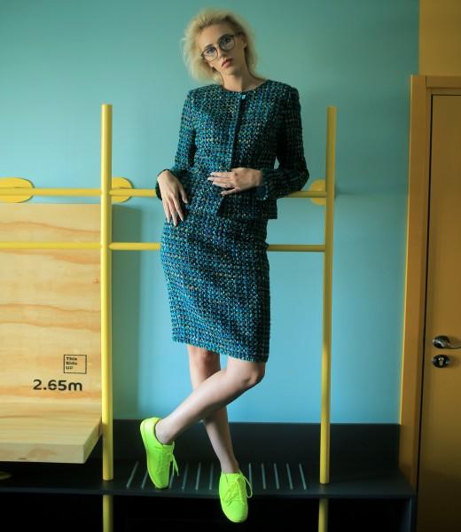 Costum dama office cu sacou si fusta din bucle cu lana