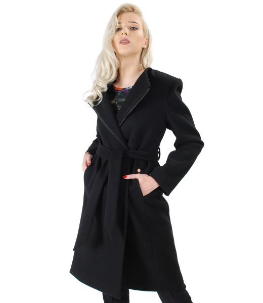 Palton petrecut din stofa elastica groasa cu cordon