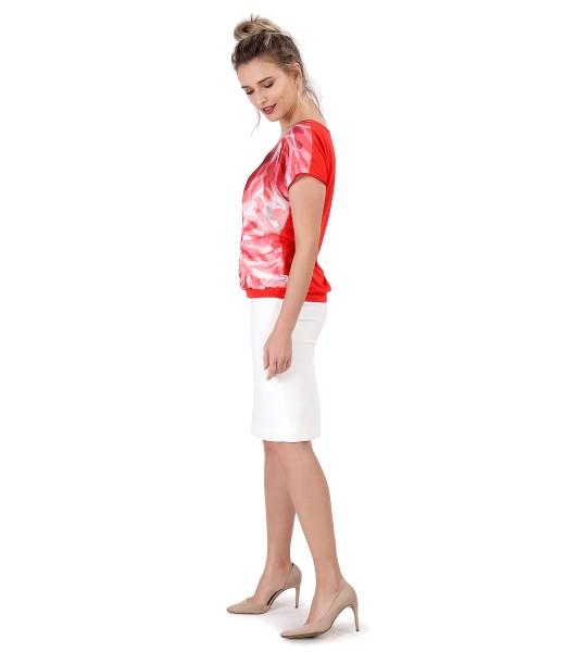 Bluza cu fata din voal imprimat si fusta creion