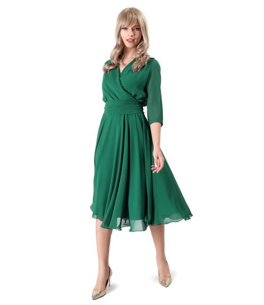Tinuta de ocazie cu rochie din voal si esarfa brau