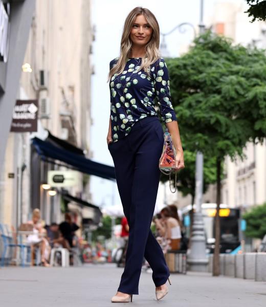 Pantaloni drepti cu bluza din jerse elastic de viscoza